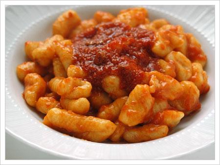 Ricetta Gnocchi Di Patate Abruzzesi.Gnocchi Al Sugo Di Coniglio Tasting Abruzzo